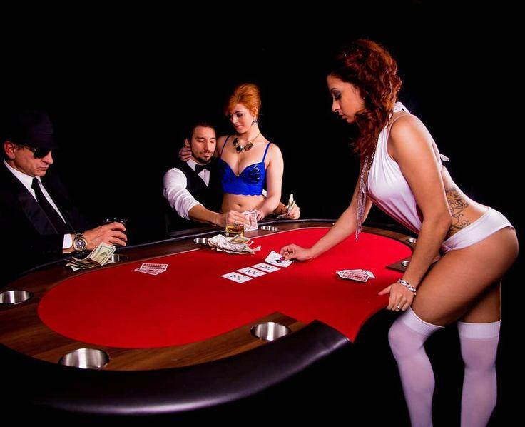 Bra poker strip