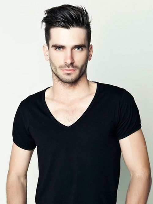 black T-shirt and a great haircut //