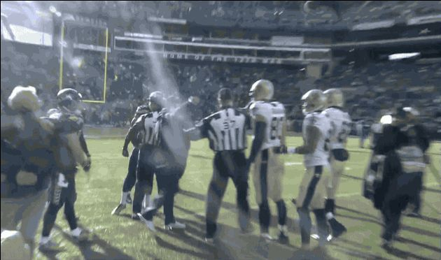Richard Sherman getting mouthy with Jimmy Graham