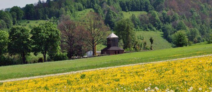 Jugowice: drewniana dzwonnica