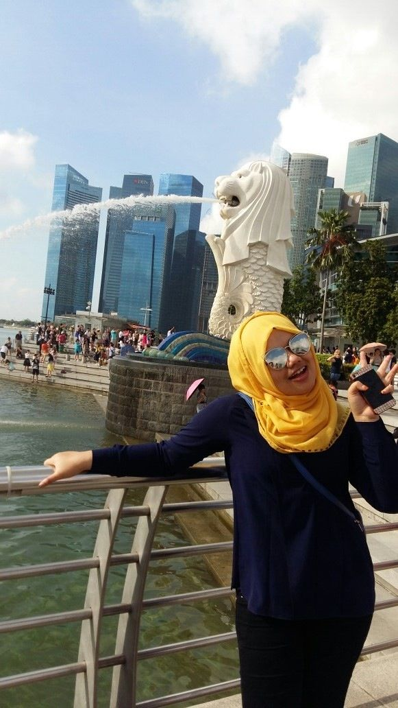 #MERLION PARK #SINGAPORE #BACKPACKERGIRL #HIJABOUTFIT