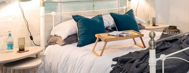 Camera da letto in stile in stile Industriale di WN Interiors of Poole in Dorset