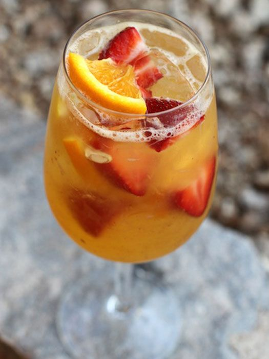 1000 images about sangria recipes on pinterest apple for Cocktail recipes with white wine