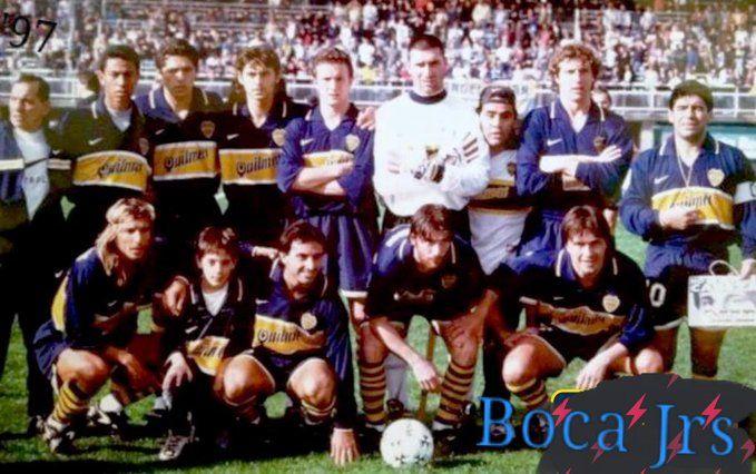 MARADONA y RIQUELME juntos en 1997. Boca Jrs 4 Argentinos 2 @enlabombonera1,única vez de manera oficial ambos.