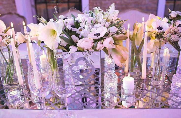 """""""Мир подобен зеркалу, в котором каждый видит своё отражение""""⬜️ Детали наполнения свадебного ужина Леры и Юрия"""