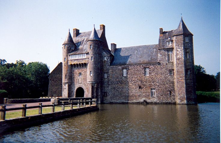 Château de Comper is a castle located in Paimpont forest (former known as Brocéliande), three kilometers to the east of the village of Concoret in the département of Morbihan in the region of Brittany, France.