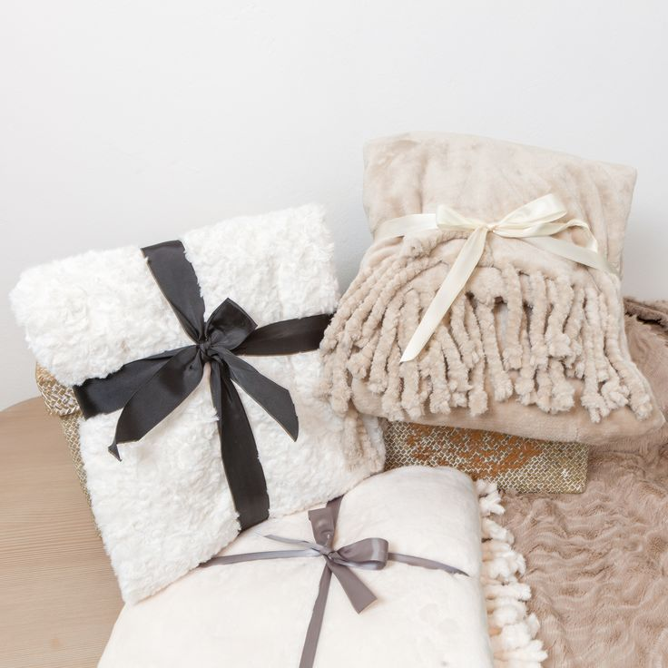 Fluffy Moments - Let the luxury embrace you - Fluffy Blanket @ Chic Ville NOW
