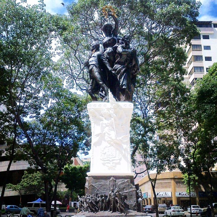 19 de Abril de 1810 by Emilio Gariboldi. #sculpture #statue #square #italia #monument #elparaiso #public #fall #november #28 #caracas #venezuela #chicoquick