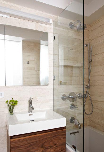 Фотография: Ванная в стиле Современный, Интерьер комнат, маленькая ванная комната, идеи для маленькой ванной комнаты, как оформить ванную комнату – фото на InMyRoom.ru