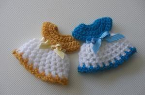 Crochet Dress Fridge Magnets... tutorial with pattern ✿Teresa Restegui http://www.pinterest.com/teretegui/✿