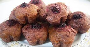 Böğürtlenli yumuşacık mini kekler yapmak için bu tarife bir göz atın.