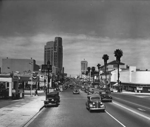 Miracle Mile Apartments: On Wilshire Boulevard Looking West From Serrano Avenue