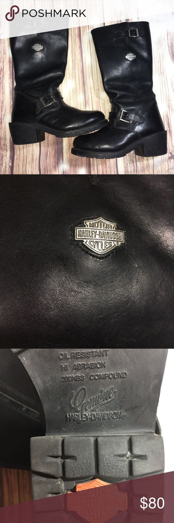 Harley Davidson Black Leather Motorcycle Boots You are currently viewing a pair of Harley Davidson Black Leather Harness Motorcycle Biker Boots US Women's 8.0 Item is in used condition. Some wear due to age/use. There are some scuffing/wear marks throughout. Soles are good condition but still good. Good be shined up nice but I'll leave that up to the new owner's discretion - partially because they look awesome in their worn-in look as-is. Womens US Size 8.0 Black leather boots…