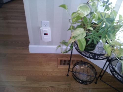 Kidde Plug-In Combination Explosive Gas/Carbon Monoxide Alarm Detector with Battery Back-up KN-COEG-3 at The Home Depot - Mobile