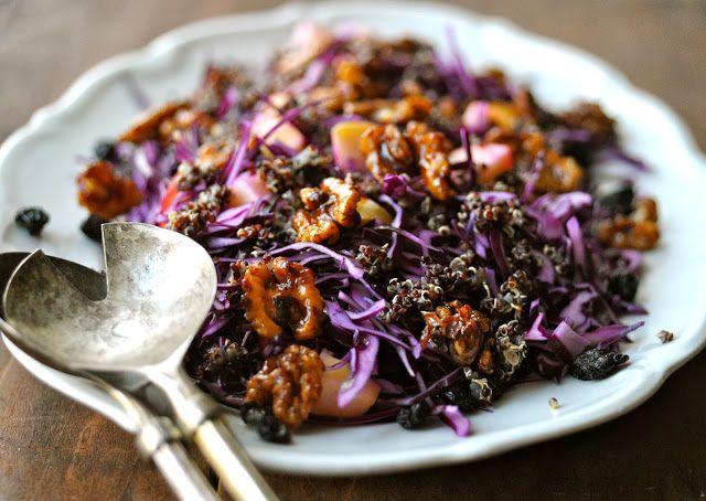 Leder du efter den bedste opskrift på rødkålssalat? her er lækker opskrift på en fantastisk rødkålssalat med kanel valnødder. så prøv denne sunde udgave!