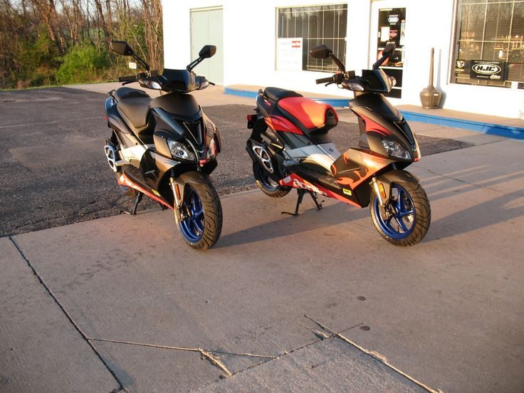 Aprilia SR 50 R Factory and SR 50 R Scooters - http://www.biketrade.co.uk/aprilia-sr-50-r-factory-and-sr-50-r-scooters/