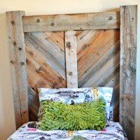 http://www.remodelaholic.com/2014/07/rustic-chevron-twin-headboard-building-plans/