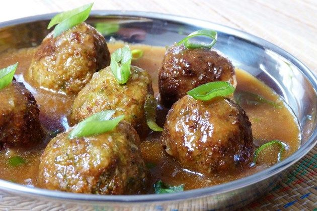 As we all know that vegetable Manchurian it most popular Indo-Chinese recipe. it is deep fried veg balls in a hot and sour Chinese sauce.
