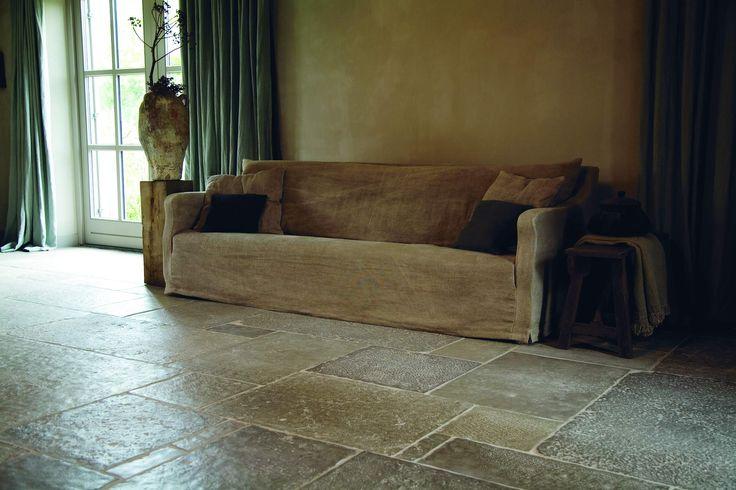 Castle Stones | Dalle  #tiles #tegels  http://tegels.nl/7446/tegels/enter/castle-stones.html
