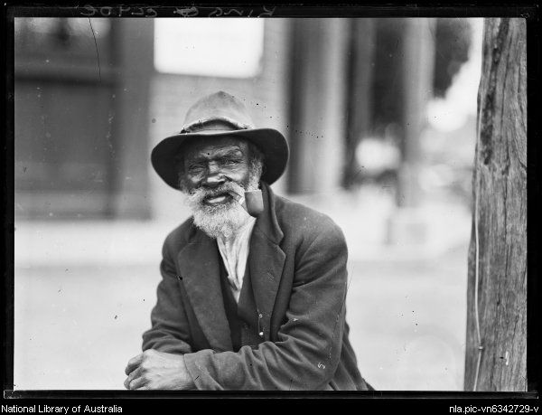 King Clyde of the Brewarrina smoking a pipe, New South Wales, ca. 1924 [picture].