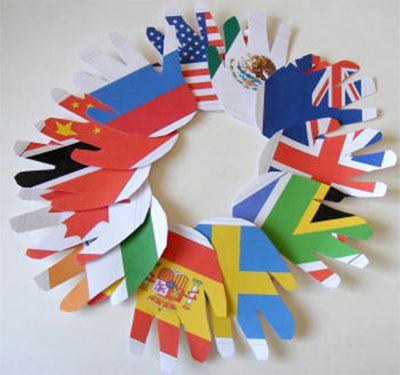 Printable Flag Handprint Wreath - great activity to gear up for the Summer Olympics in London