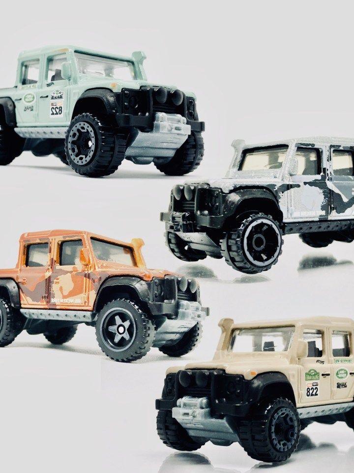 Unboxing 2019 Hot Wheels Unimog Land Rover Dan Jeep Wrangler
