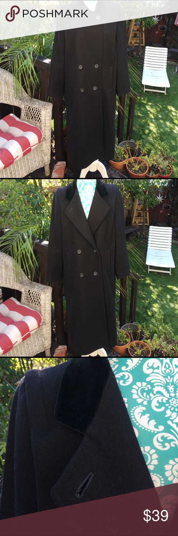 100% wool Sz 9/10 black maxi pea coat lovely! International scene 100% virgin wool Sz 9/10 black maxi pea coat with velvet collar and pockets what more do you want?  In great shape extra buttons included International Scene Jackets & Coats Pea Coats