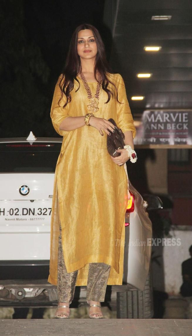 Sonali Bendre Behl at Afsar Zaidi's #Diwali party. #Bollywood #Fashion #Style #Beauty #Hot #Desi #WAGS