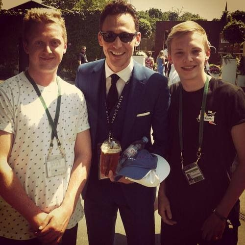 Tom with fans at Wimbledon July 7, 2013 | Tom hiddleston ...