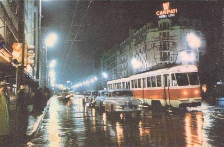 O seară ploioasă pe Bd. Magheru, la începutul anilor 60