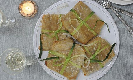 Vegan filo parcels with leeks and mushrooms in a white wine sauce | Just as tasty