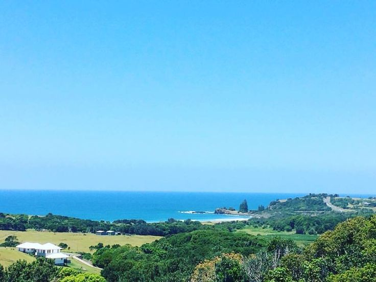 An absolutely incredible view of Lennox Head to Skennars Head, in Northern New South Wales. Image taken from the roof by Gutter-Vac Northern Rivers.  Find out more about Gutter-Vac Northern Rivers at https://www.guttervac.com.au/gutter-vac-northern-rivers  #byronbay #northernnsw #newsouthwales #northernnewsouthwales #beach #horizon #sky #perfectday #australia #guttercleaning #lennoxhead #ballina