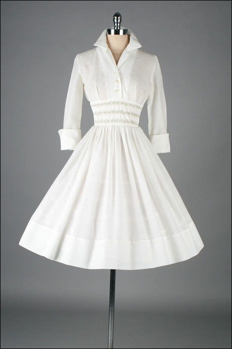 Here's a glorious take on the 1950s shirtdress!