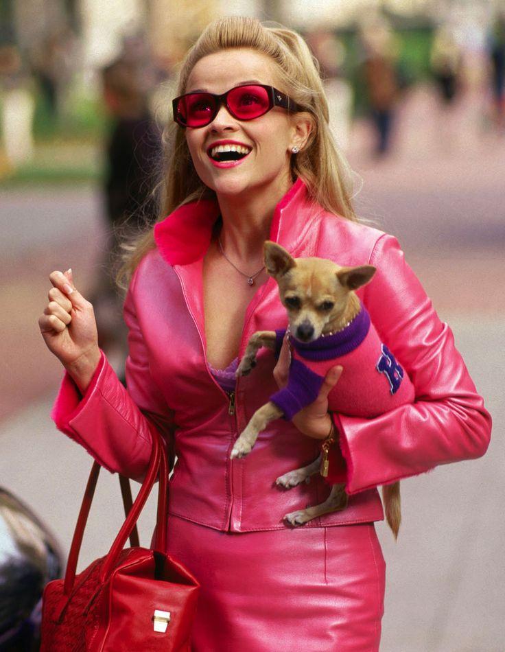 Doze anos após a primeira continuação de Legalmente Loira, Reese Witherspoon disse que está pronta para viver Elle Woods mais uma vez no #cinema. Você gostaria que a advogada voltasse para as telas? Foto: MGM/Reuters.