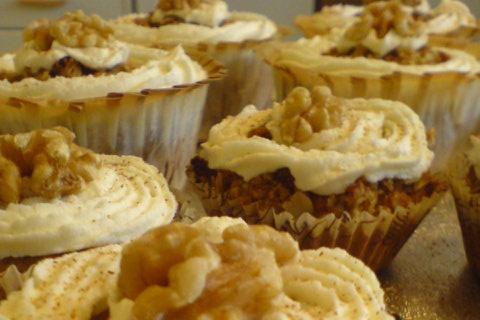 Äpple- & vaniljmuffins med valnötscrisp
