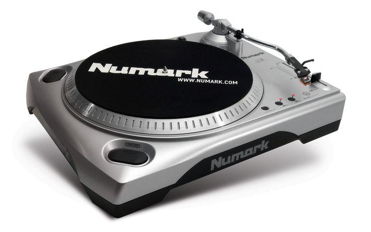 Numark TTUSB - Turntable with USB Audio Interface  Cara termudah untuk mendigitalkan vinyl anda TTUSB adalah USB turntable plug-and-play unik dan kompatibel yang dapat membuat digitalisasi koleksi rekaman vinyl anda ke PC atau Mac dalam sekejap.