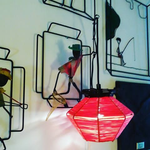 Fant ny skjerm til artigkarlampen min 😆😆😆 Ble bare cooolsexy😆😆😆#midcentury #retro #vintage #506070tallet #506070tal #midcentury #retrohjem #retrointerior #interiør #brorbonfils #kunst #art #50s60s #cooldesign #artigkar #artigkara #scandinavianinterior #hamar #retroogdesign #retrolampe #stringlampe #vintage #vintagedesign #scandinaviandesign