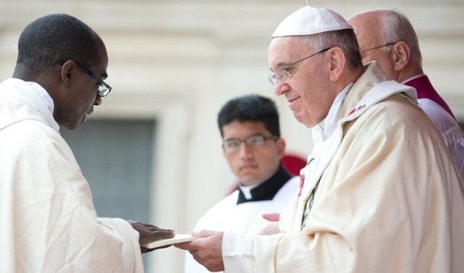 Evangelii Gaudium : Una Chiesa dalle porte aperte. Pubblicata l'Esortazione apostolica del Papa