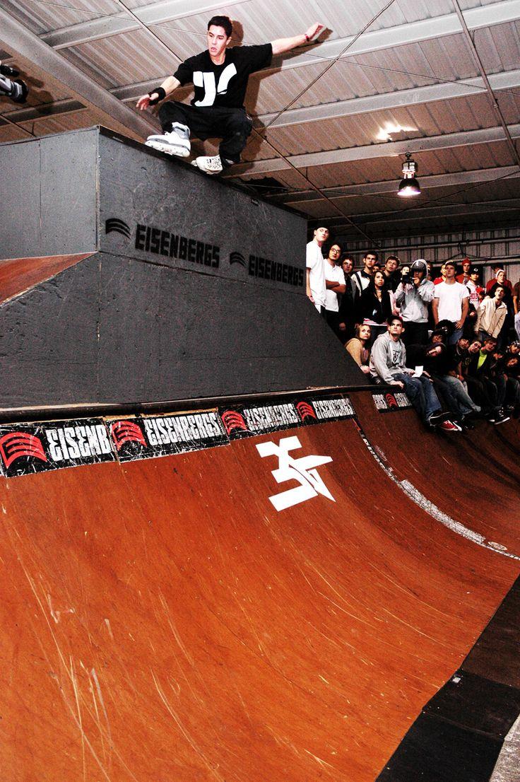 Roller skate xtreme - Brian Aragon Photo By Cody Lester Roller Inline Skatingskateparkaragon Rollers