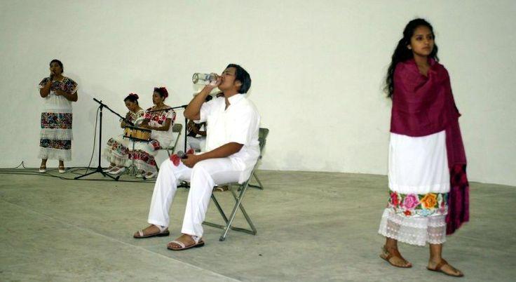 Conmemoran el Día Mundial del Teatro en el puerto de Progreso