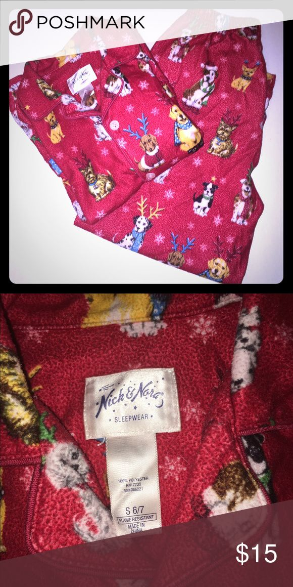 🌟Nick and Nora Pajama Set🌟 Christmas print Nick and Nora pajama set. In great condition! Super comfy for the fall and winter months! I'm a speedy shipper and we have a smoke free home! Pajamas Pajama Sets