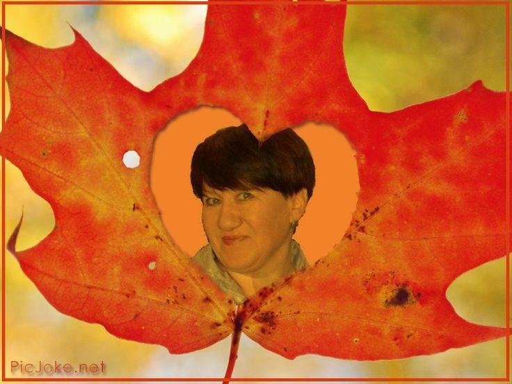 Попрошу у Осени золотые кисти. Разукрашу красками жизни своей листик. Листьями зелеными нарисую юность. В солнечные, жёлтые, зрелость обернулась Травами пожухлыми, горе и печали, И рябиной алою сердце отмечаю. А туманы серые лягут легкой тенью, Пряча под собою боли и смятения. Ах, спасибо Осень, за такие кисти !! Акварель красивая, жизни моей листик.   © Copyright: Елена Овечникова, 2015 Свидетельство о публикации №2150