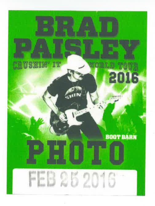 Brad Paisley Will Beat This Winter With 2014 Tour Dates