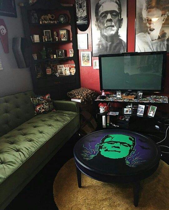 Best 25+ Horror decor ideas on Pinterest | Gothic room ...