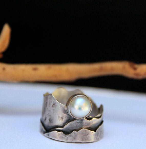 Mond & Berge-Ring Sterling-Silber und Pearl von OneIndigoMoon