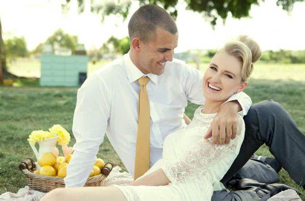 Idee per un matrimonio a tema limoni, dalle decorazioni al bouquet.