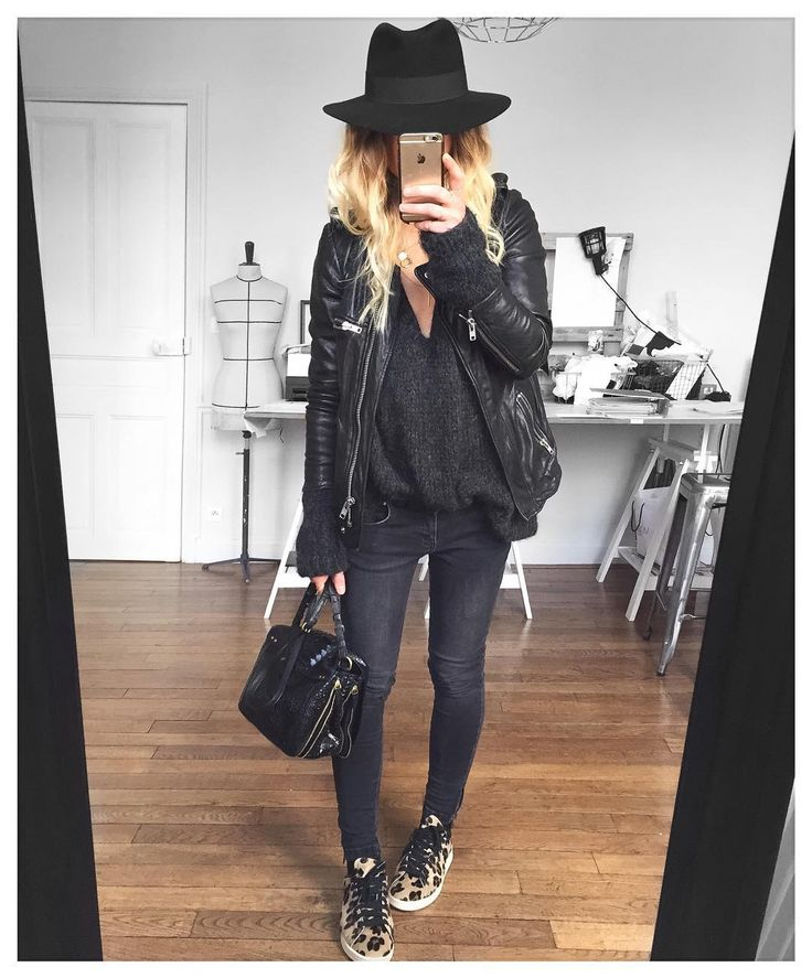 """▪️&✔ chapeau Henrietta #maisonmichel @maisonmichel cuir #isabelmarant (old) pull #knitbyme jean #aninebing (old) @cyrielleforkure baskets #stansmith sur…"""