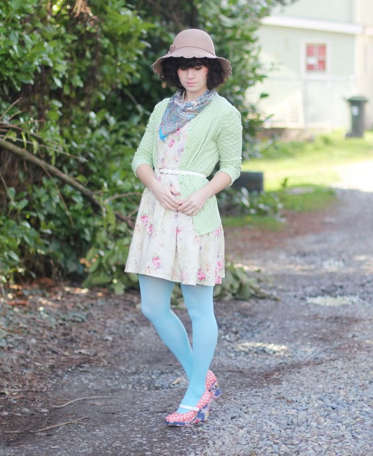 Delightfully Tacky: DIY // Polka Dot Floral Wedge | The colours. She's a genius.