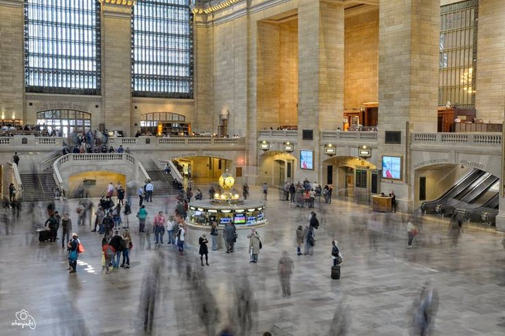 travel photography nyc new york city usa america central station train building waiting hall rush