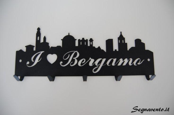 #Portachiavi da parete personalizzate per ogni città ... e le tue chiavi saranno sempre in ordine! http://www.segnavento.it/index.html